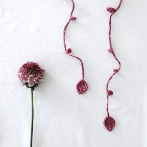 Rose long necklace