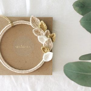 Minimal Gold Sparkle Wreath