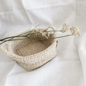 Crochet storage basket with handles Beige
